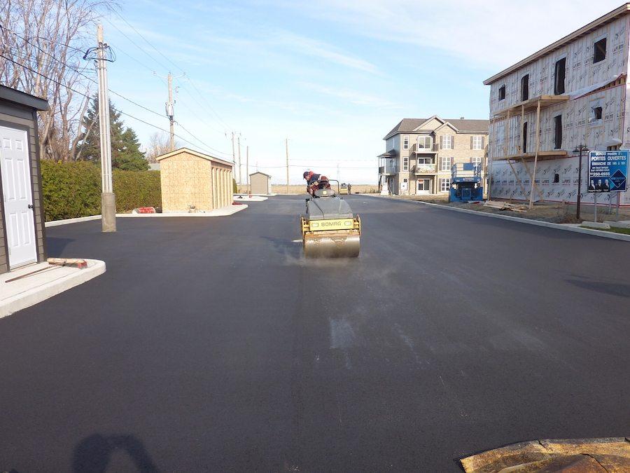 Travail d'asphaltage effectué à Saint-Hyacinthe